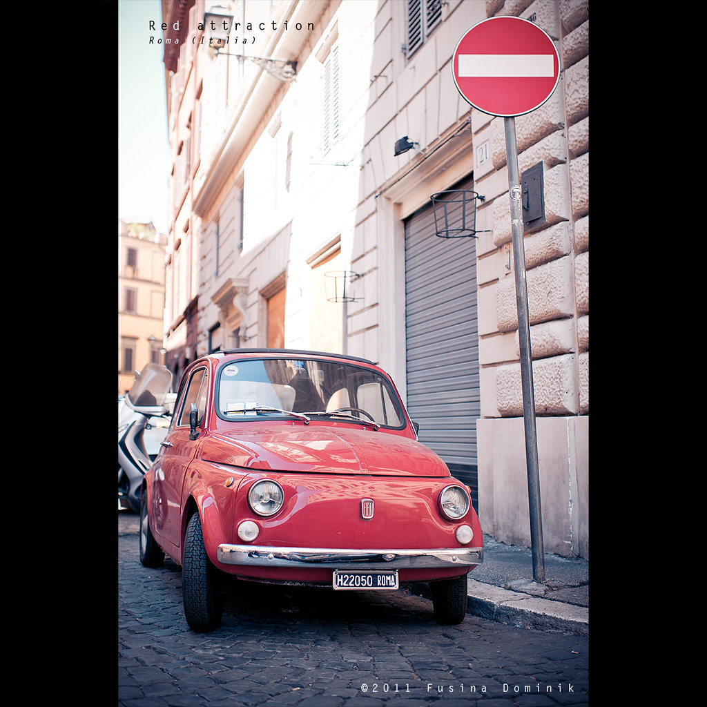 Red attraction   Roma (Italia) by dominikfoto