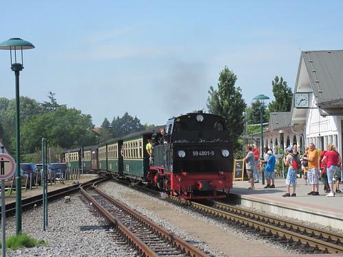 Rasender Roland at Binz station | by felibrilu
