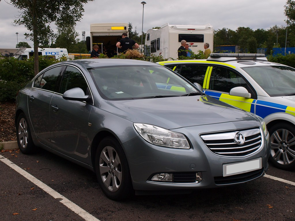 Thames Valley Police / Vauxhall Insignia / Armed Response … | Flickr