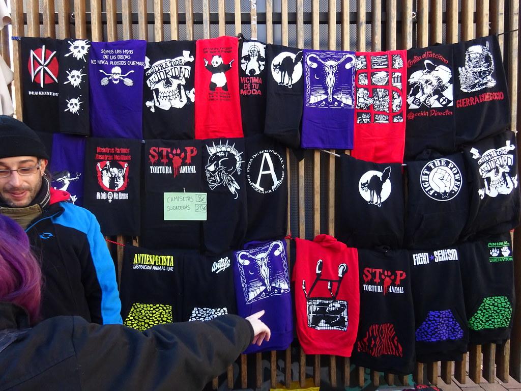 camisetas baratas grupos