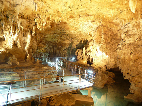 Gyokusendo Cave | by SteFou!