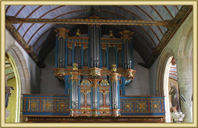orgue de l'église Saint Germain de Pleyben