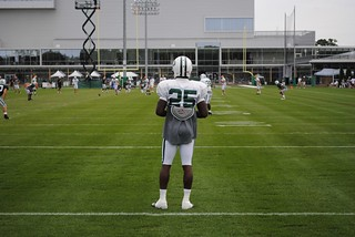 Joe McKnight awaiting the kickoff | by stevensryan92