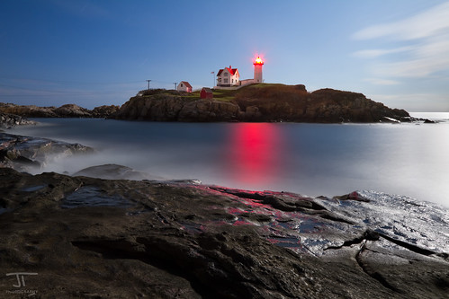 york longexposure moon lighthouse me canon coast rocks surf tide explorer maine atlantic full coastal 7d moonlight manual 1022mm hdr gitzo nubblelight canon7d