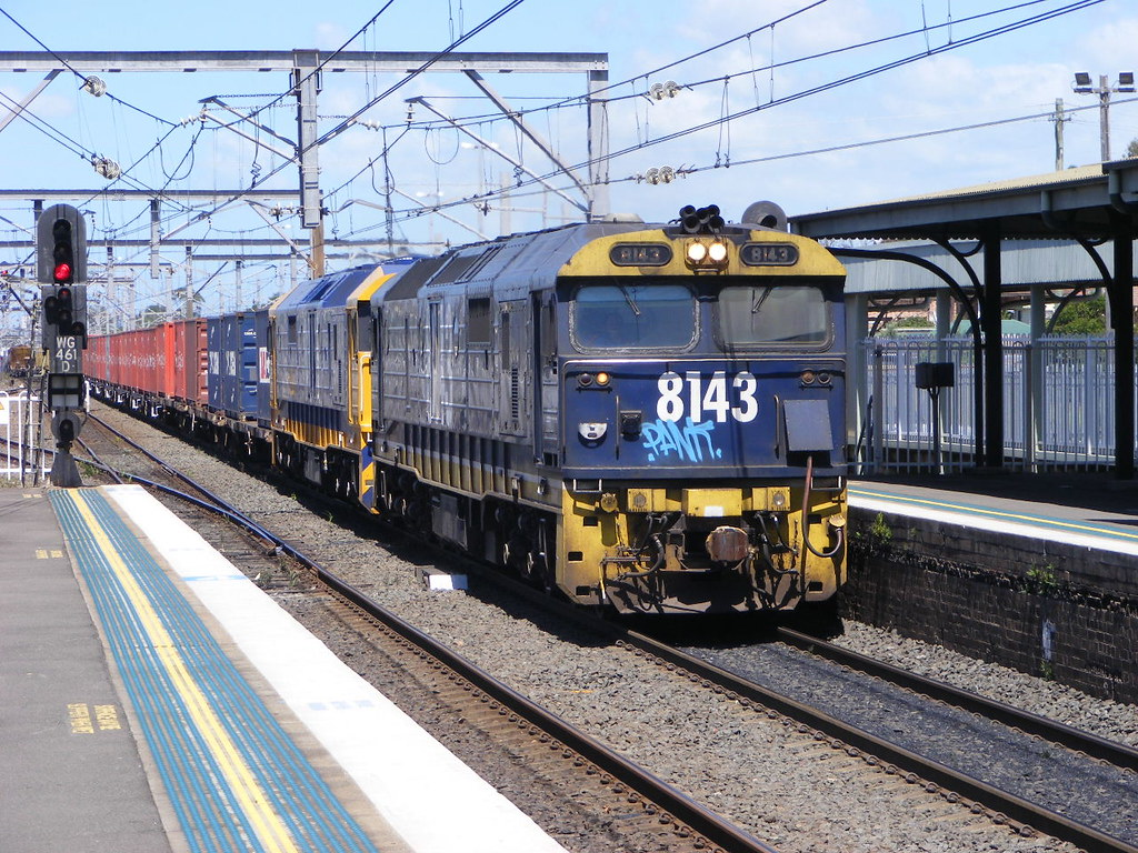Pacific National 8143 and 8151 Wollongong 25.02.10 by Andy Cole