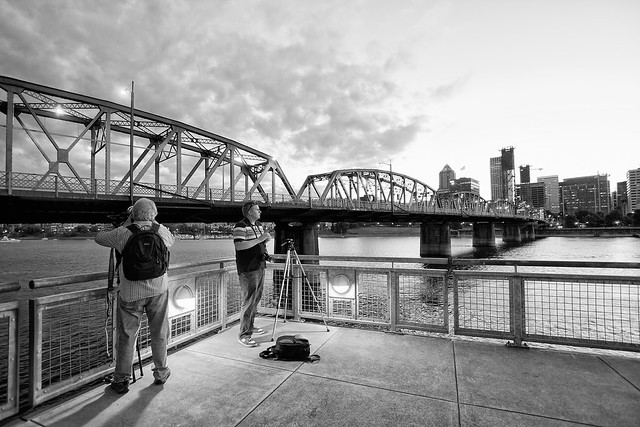 Shooting the Hawthorne Bridge in Black and White