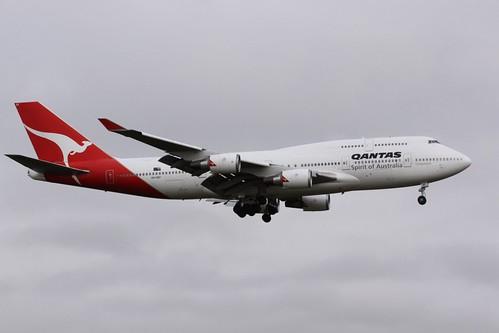 Qantas 747-438ER VH-OEF