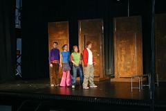Representación teatral a cargo del grupo Pikor Teatro de gazteiz con la obra Pisa la Raya en el cinema de Ermua