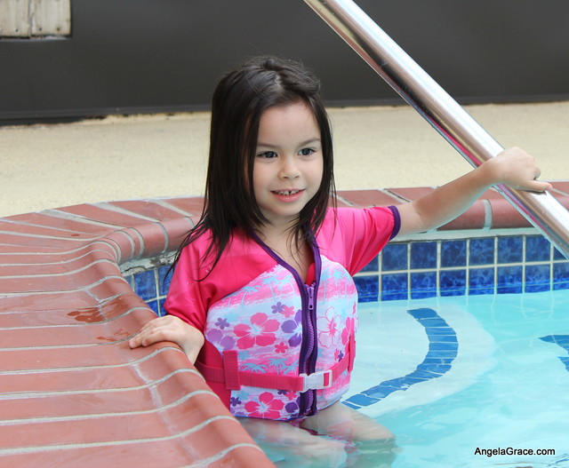 Angela in the Pool 1 024