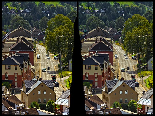 Main Through-Road 3-D :: HDR/Raw Hyperstereo Cross View ::