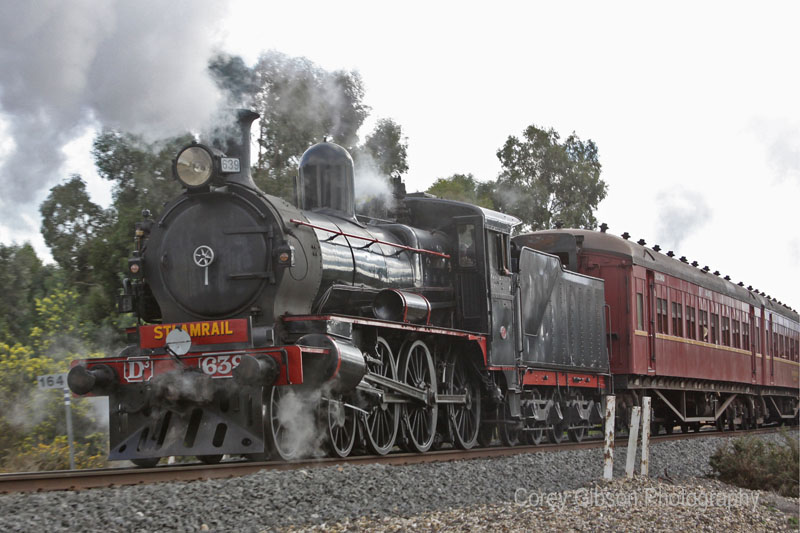 D3 639 during the steam shuttle by Corey Gibson