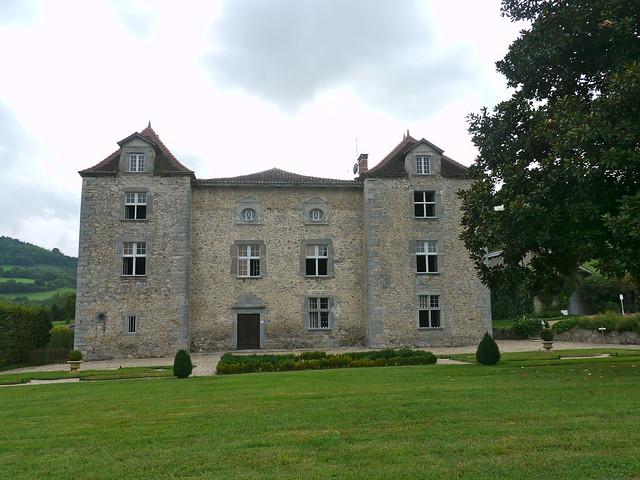 Iholdy / Iholdi, Pyrénées Atlantiques: château d'Olce (XIV°-XVII°)