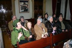 Personas asistentes a la inauguración en la recepción oficial del ayuntamiento