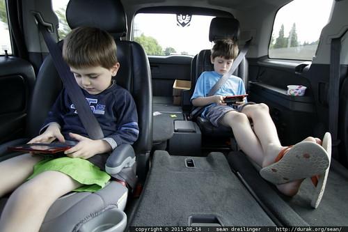 nintendo ds lite, bringing peace & quiet to minivans around the world - MG 7883.JPG   by sean dreilinger
