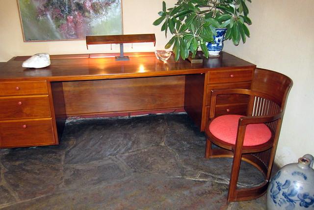 PA - Mill Run: Fallingwater - Guest House bedroom desk