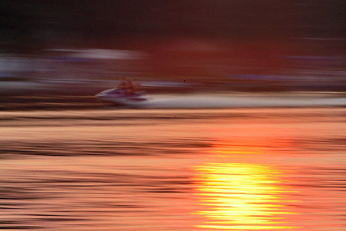 sunset summer orange lake motion blur hot reflection mi speed fun warm sticky westlake ripples jetski nationalgeographic september2015