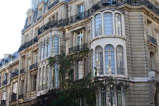 Building facade near Parc Monceau | by www.Paris-Sharing.com
