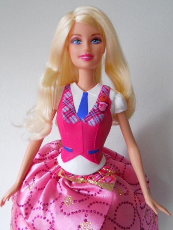 a30513b0fc9 ... Barbie Princess Charm School - Blair