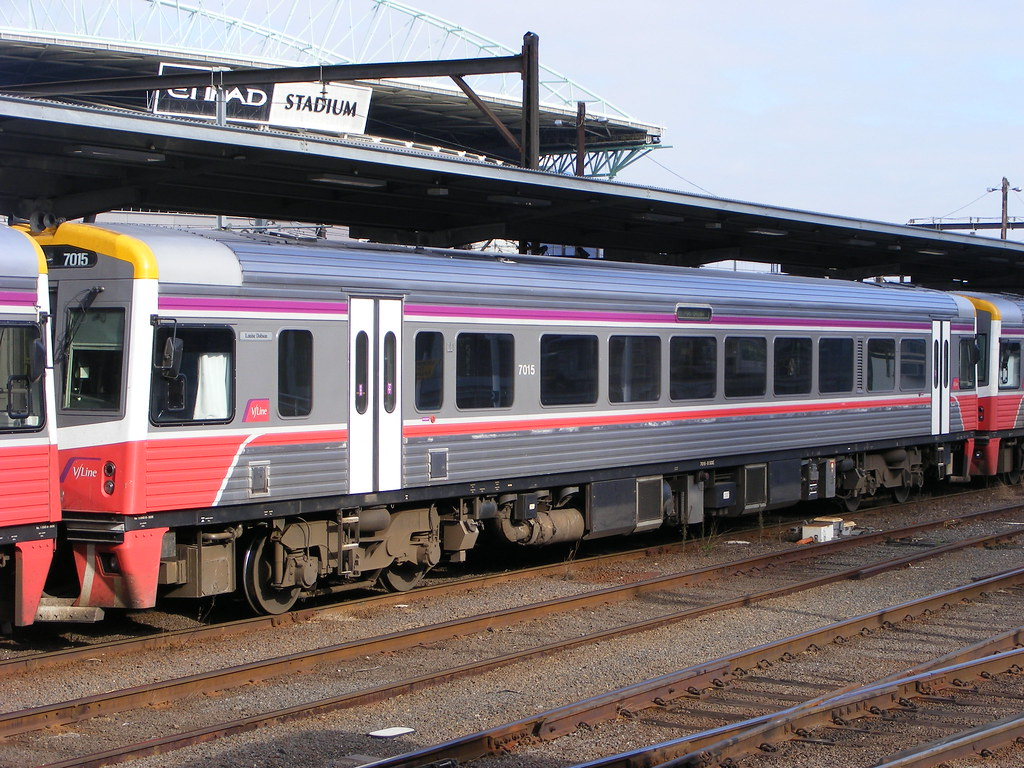 V/Line 7015 Southern Cross 03.03.10 by Andy Cole