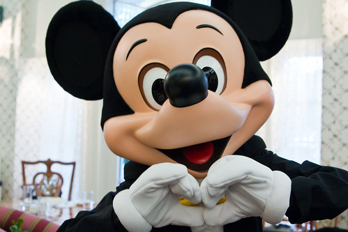 Mickey Mouse   Hong Kong Disneyland Hotel   by ナギ (nagi)