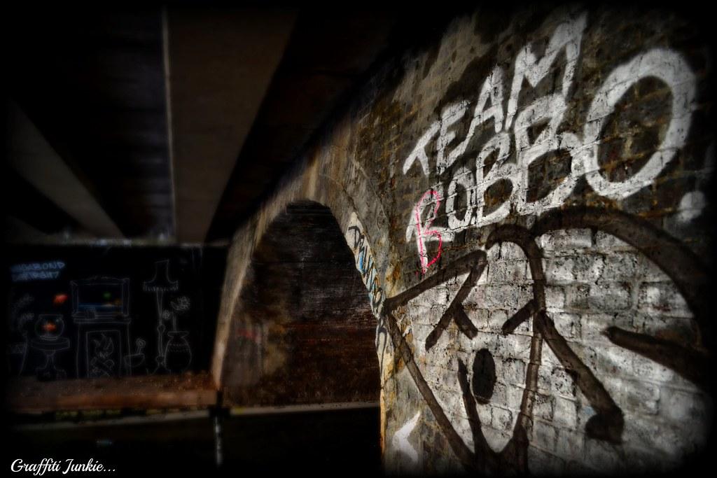 ROBBO V BANKSY...2011...