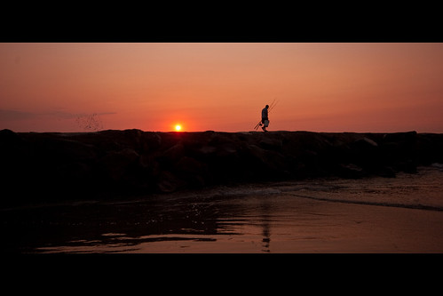 sunrise dawn newjersey fishing jetty nj jersey jerseyshore atlanticocean avalon surffishing avalonnj earlymorningfishing townsensinlet
