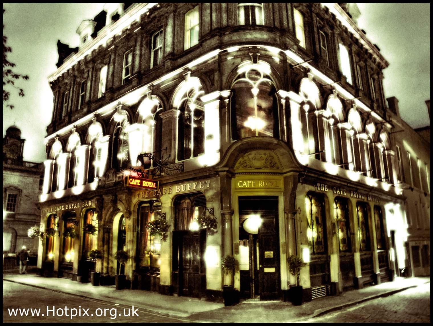Edinburgh,by,night,shot,nightshot,scotland,caferoyal,cafe,royal,royale,city,central,tourist,pub,pubs,bars,eat,drink,hivemind,tony,smith,hotpix,tonysmith,tonysmithhotpix,uk,gb,cities,where,dusk,blue,hour,edimburgh