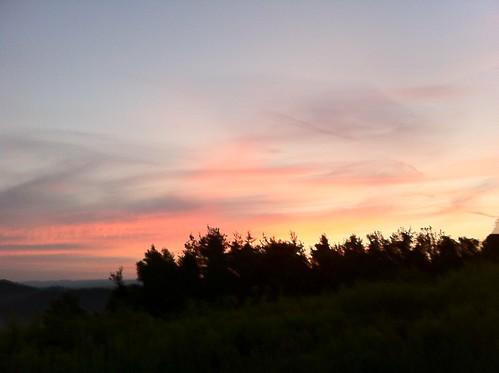dawn iphone4 sky sunrise sunsetandsunrisesgold morgantown wv westvirginia travel moments comfortinnmorgantown iphonephotography cooper gtcooper gtcooperphotography kuperimages wvu sun kuper gtkuper