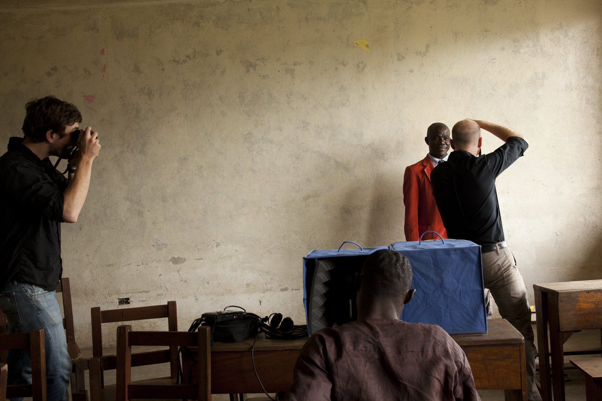 SOUND-BOOTH-TOGETHER-LIBERIA-BY-ANDREW-HIDA_001
