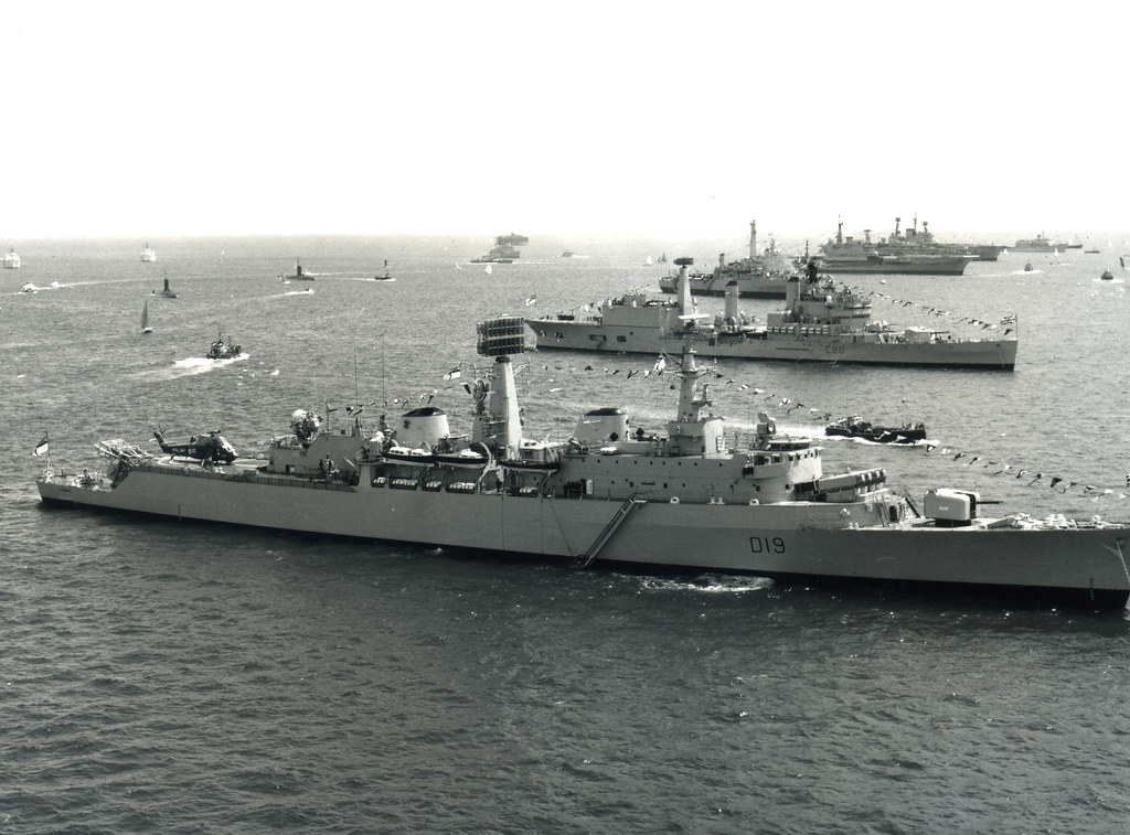 HMS Glamorgan (D19) HMS Tiger (C20) HMS Fearless (L10) HMS