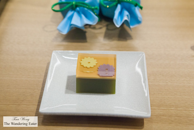 Green bean and gelatin-based sweet with flower patterns