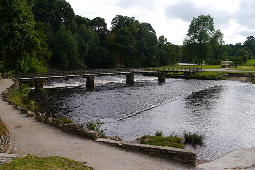 Footbridge and stepping stones at Bolton Abbey. | by pluralzed