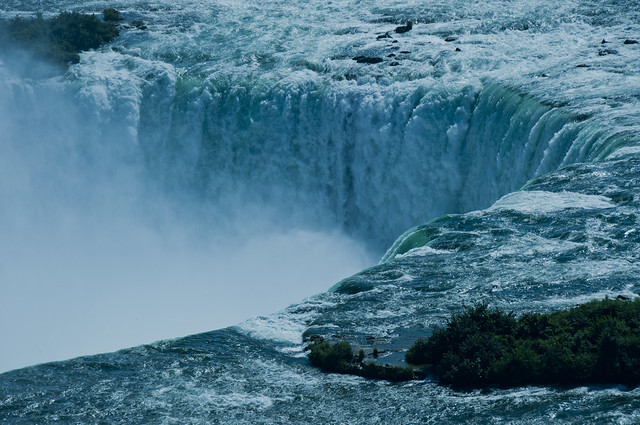 Over the precipice!! The thundering torrent over the Horseshoe Falls (Niagara)