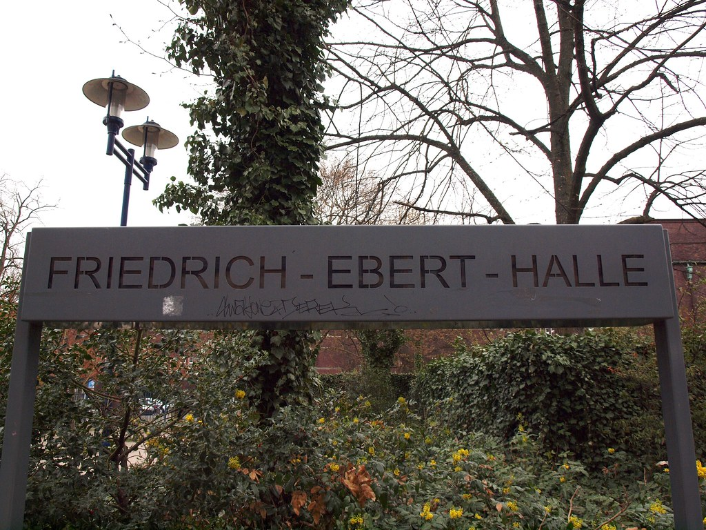 Friedrich-Ebert-Hall (Hamburg-Harburg)   Friedrich-Ebert ...