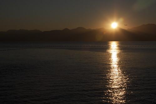 sunset mountains silhouette night plane turkey pier clear antalya lara canon24105mm canon450d aplanesunset