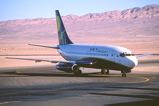323ab - Sky Airline Boeing 737-200; CC-CAP@CJC;29.09.2004