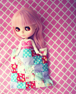 sew a doll quilt | by amberrenée.com