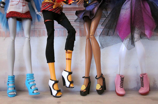 Monster High dolls in Stardoll shoes