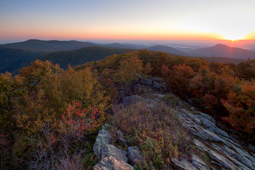 morning mountain mountains sunrise dawn virginia view scenic rocky peak valley hawksbill summit shenandoah luray hdr