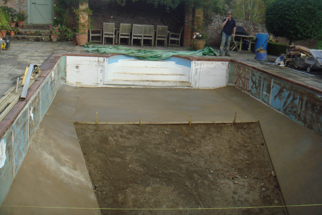 Swimming Pool Floor Screed 10   Swimming Pool Refurbishment ...