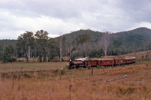 heritage history film landscape transport tracks australia slide trains scan steam qld passenger aus railways om2 kodachrome64 imbil olympusomsystem maryvalley epsonperfection1640su 35mmfilmslrcamera zuiko50mmautof14lens