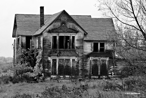 Abandoned house Knoxville black and white | by dfbphotos