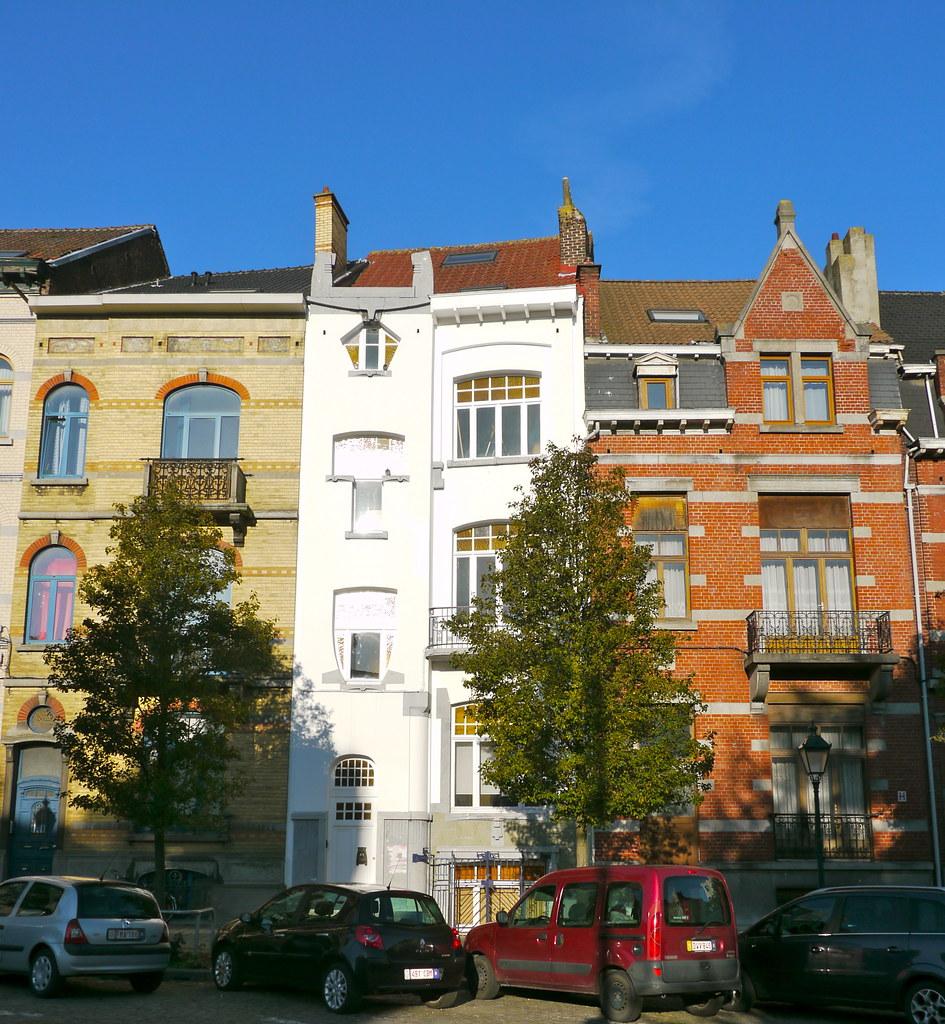 Bruxelles, Belgique: place Antoine Delporte, maison de sty… | Flickr