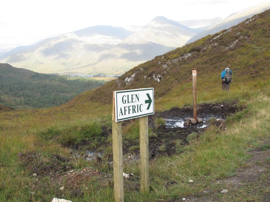 Sign to Glen Affric/Hinweisschild zum Glen Affric