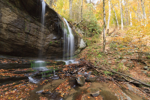 autumn fall water waterfall nc littleswitzerland westernnc grassycreekfalls
