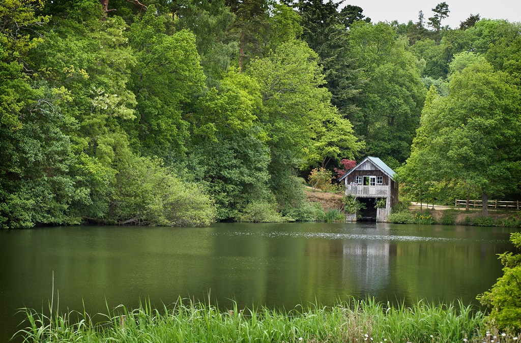 Boathouse in Winkworth Arboretum from the public right of way SWC B1 W20_20110514_96_DxO_1024x768