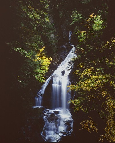 autumn usa fall 120 mamiya film mediumformat geotagged waterfall vermont unitedstates newengland fallfoliage 6x7 filmscan mamiya7ii mossglenfalls geo:lat=4448405386142349 geo:lon=7262228135015869