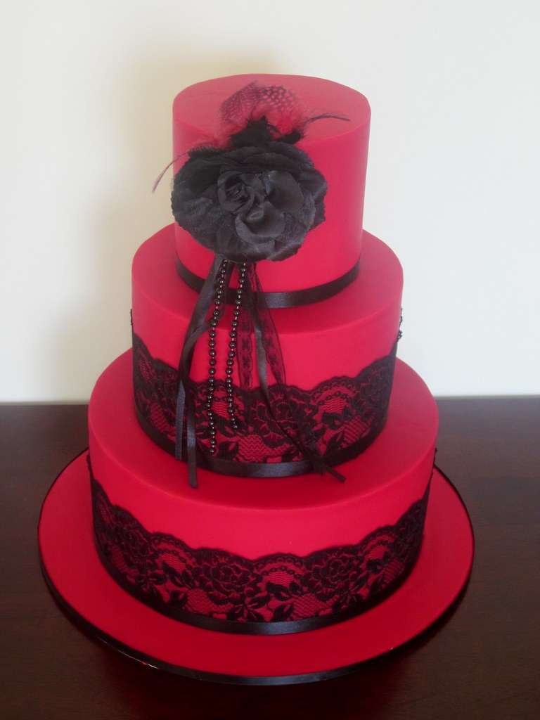 17 Best images about Cakes on Pinterest   New york jets ...   Affordable Wedding Cakes Black And Red