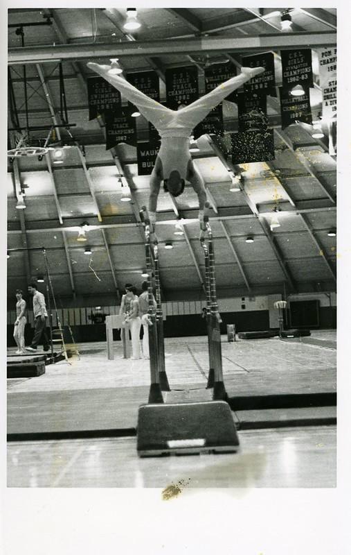 1991-92_athl_boys_gymnastics_pbars