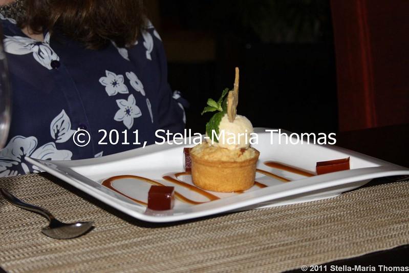 MACAU 2011 - IFT RESTAURANT PINE NUT ICE CREAM 018